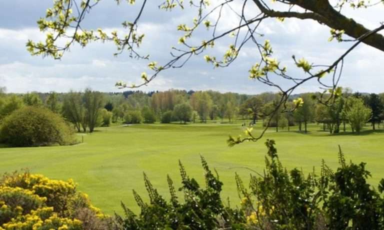Luxury in the Cotswolds - Wychwood Golf Course
